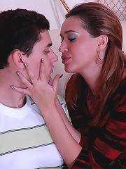 Sultry milf seduces a young co..